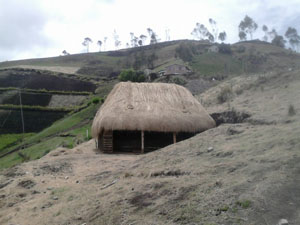 "The first ""choza"" in La Esperanza has been built"