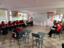 The students of Columbe Grande during a natural science class in th enew classroom that is constructed  by Ayuda Directa